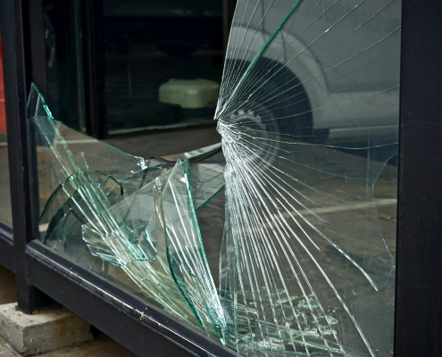 24-hour Commercial Glass window Repair